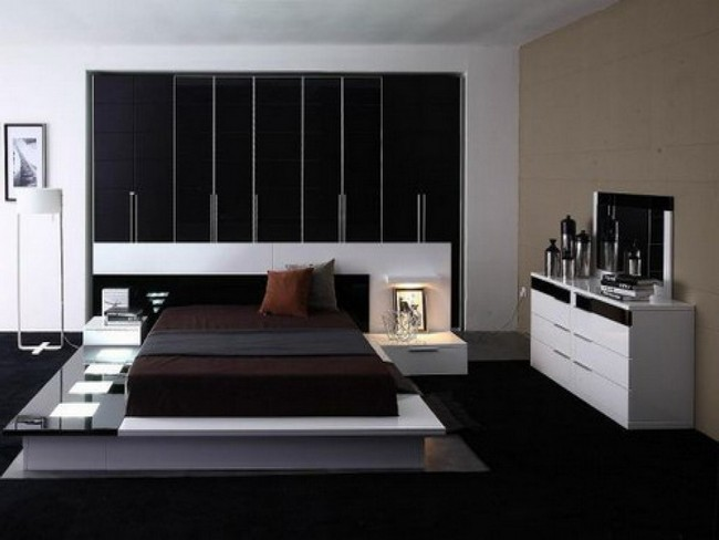 Straight lines and angles on the wall portion behind the headboard creates an edgy look