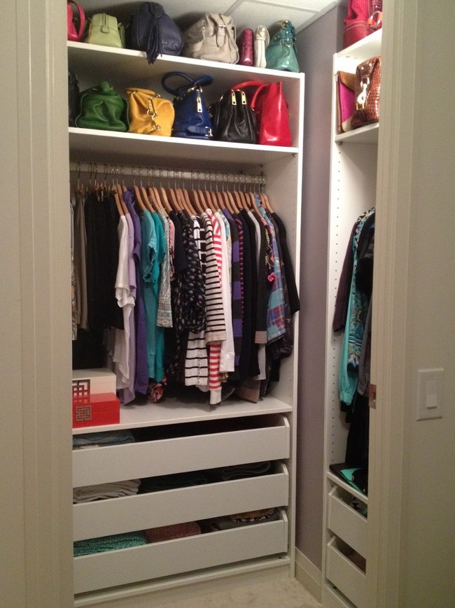 Nearly organized lady's closet with a row for handbags and clothes, creating a uniform look