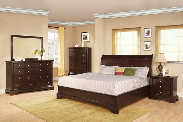 Beau The Deep Brown Tan Used On This Bedroomu0027s Wall Add A Touch Of Luxury And  Elegance, Which Is Magnified By The Classy Antique Items In The Bedroom, ...