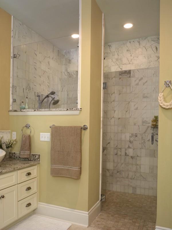 Open shower ideas awesome doorless shower creativity - Doorless shower in small bathroom ...