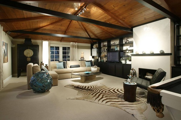 Large and spacious family room with open shelving and cabinets