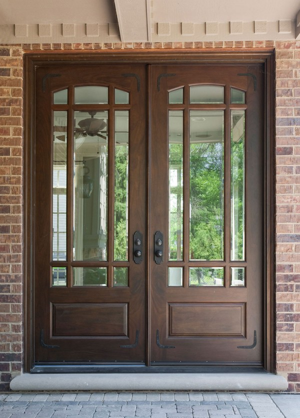Front door ideas let people into your home beautifully for Big entrance door