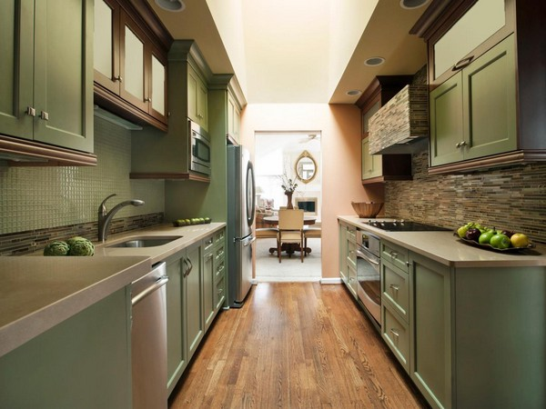Galley kitchen decor around the world for Small corridor kitchen design ideas